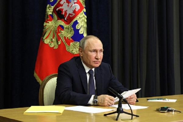 Путин выразил соболезнования в связи с массовым убийством в пермском вузе
