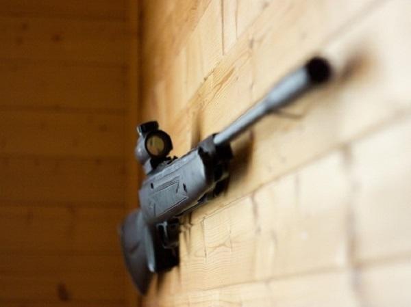 В Алма-Ате мужчина расстрелял судебных приставов, 5 человек погибли