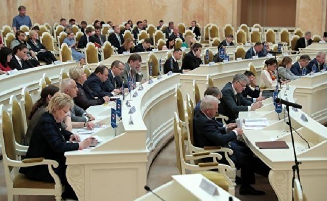 «Единая Россия» на выборах в ЗакС потеряла 8% голосов по спискам партии