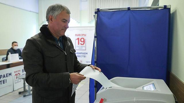 Максимум голосов по округам среди единороссов получили кандидаты от «султанатов» и Володин