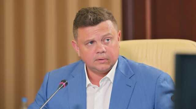Публичное «отречение» Аксенова