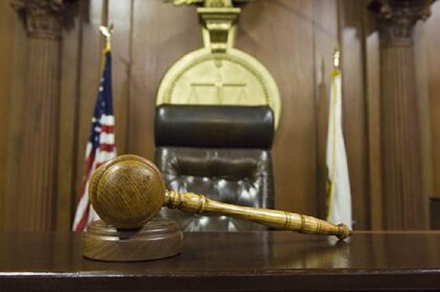 Американскому полицейскому предъявили обвинения в убийстве чернокожего