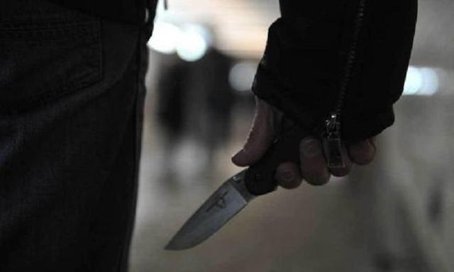 Петербуржец спрятался в пруду от убийцы с ножом