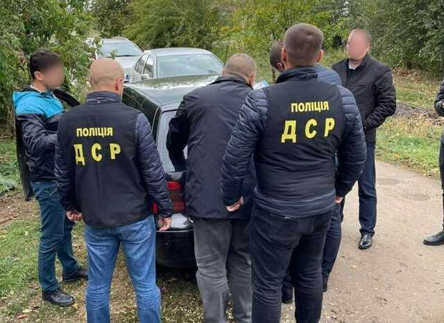 В Винницкой области чиновник территориальной общины захотел 5 тысяч долларов за участок
