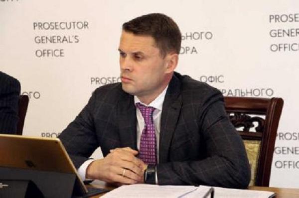 Жене заместителя генпрокурора новый «Мерседес» достался по цене старой колымаги