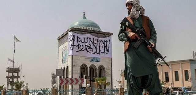 «Чтобы предупредить остальных». В Афганистане талибы повесили тело преступника на площади