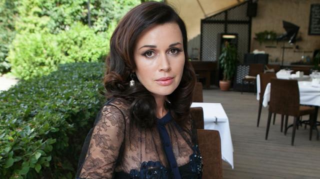 «Она боец»: дочь Заворотнюк рассказала о состоянии актрисы