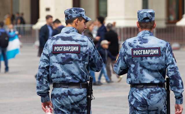 В Петербурге росгвардейцев отправили в колонию за подброс наркотиков школьнику