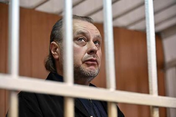 Осужденный за миллионные растраты бывший замглавы ФСИН тяжело заболел в СИЗО