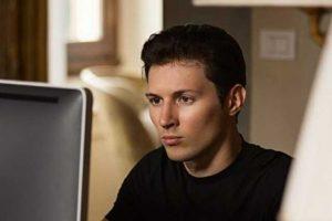 Павел Дуров провел опрос о блокировке бота «Умного голосования», открыл комментарии и начал отвечать на вопросы пользователей